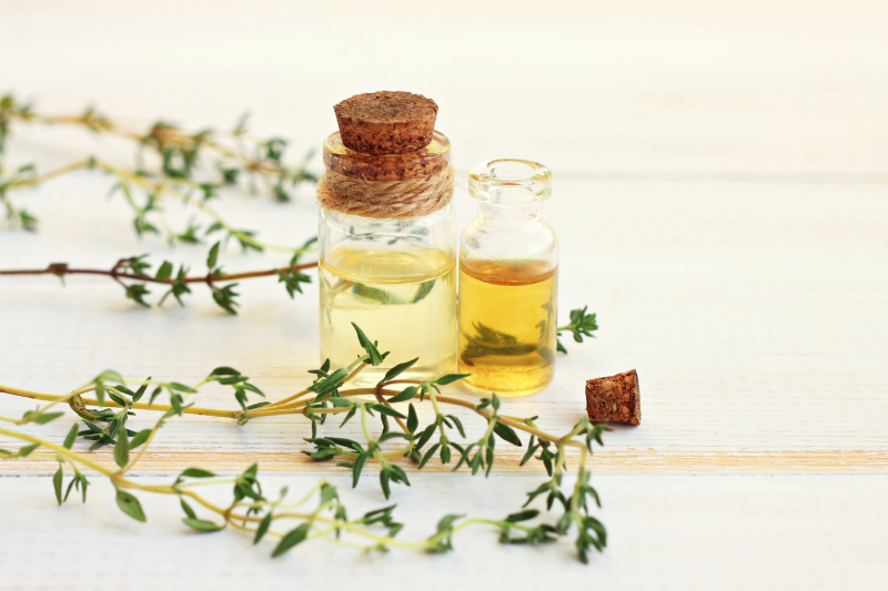 Thyme leaves and oils